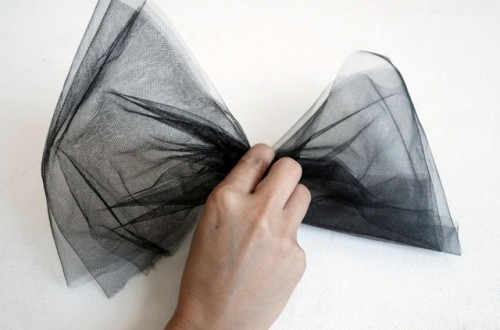 Black Tulle DIY Bow Heels To Make A Statement