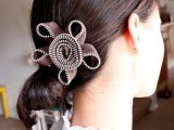 Extraordinary DIY Zipper Flowers For Your Hairstyle2