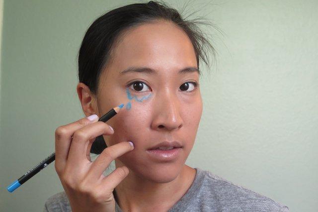 Picture Of Eye Catching DIY Lichtenstein Comic Book Makeup 4