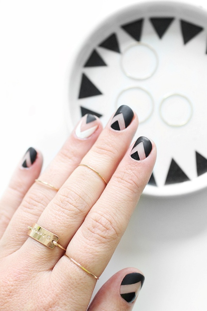 Fabulous DIY Chevron Nail Art