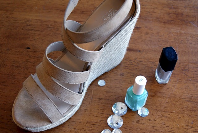 Picture Of Funny DIY Studded Sandals For This Summer 2