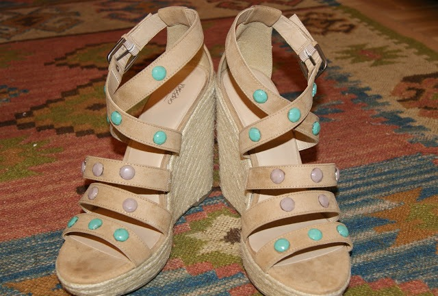Funny DIY Studded Sandals For This Summer