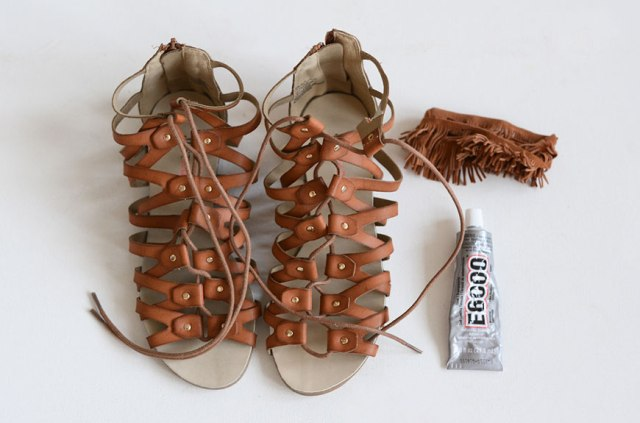 Picture Of Funny DIY Tassel Sandals 2