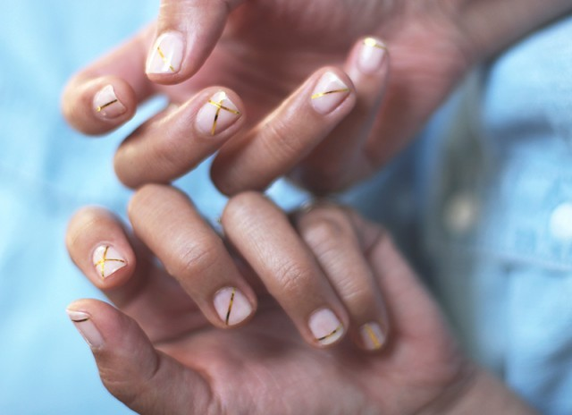 Picture Of Geometric DIY Gold Striped Nails 6