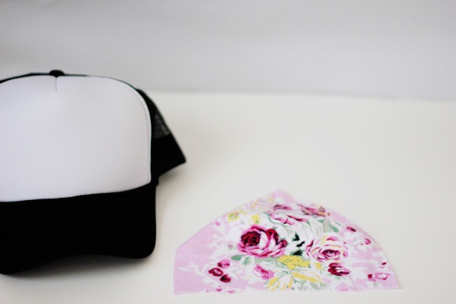 Picture Of Girlish DIY Floral Trucker Hat 3