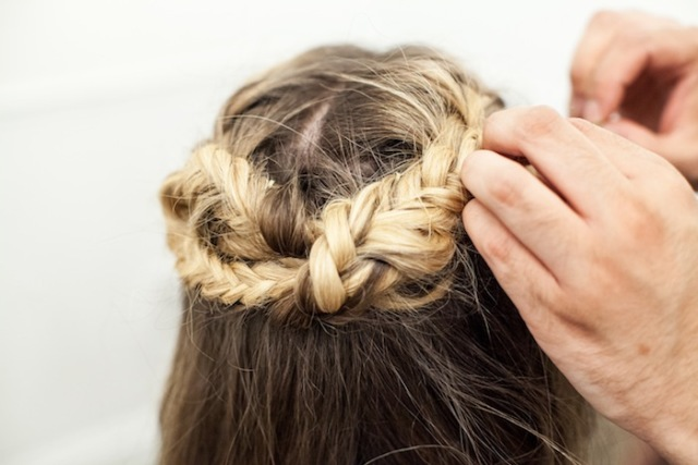 Picture Of Incredible DIY Game Of Thrones Inspired Braid 11