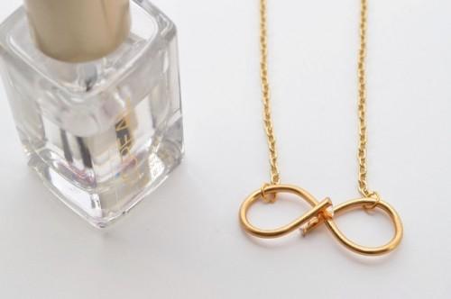 Minimalistic DIY Infinity Wire Necklace