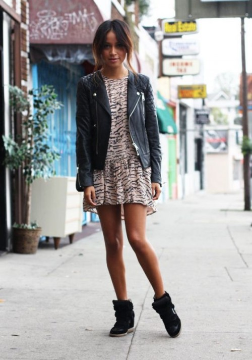 Looks Of The Newest World Fashion Trend: Sneakers
