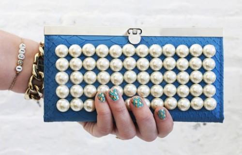 Feminine DIY Pearl Clutch