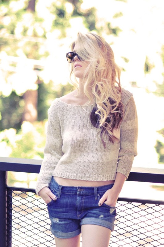 Picture Of Pretty DIY Bow Sweater In the Back 10