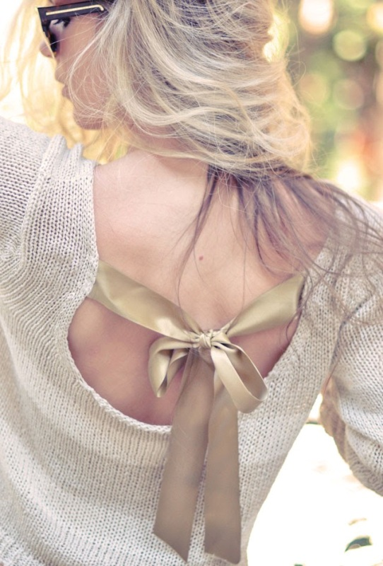 Picture Of Pretty DIY Bow Sweater In the Back 11