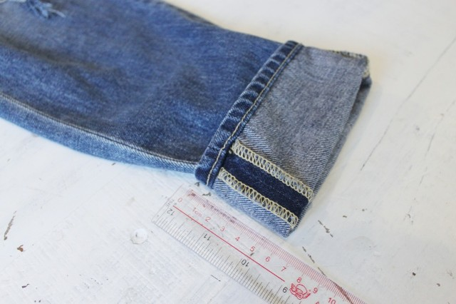 Picture Of Pretty DIY Turn Up Jeans 3