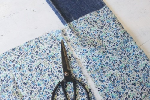 Pretty And Easy DIY Turn Up Jeans