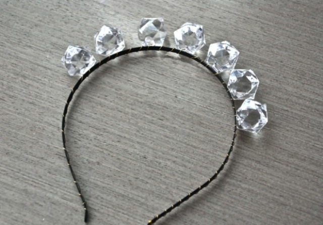 Picture Of Romantic DIY Crystal Headband 3