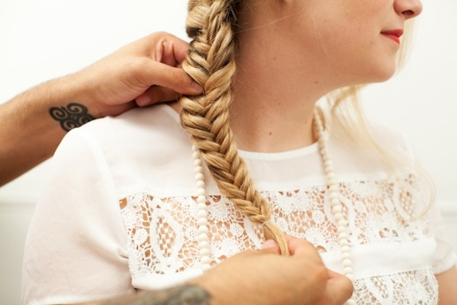 Picture Of Romantic DIY Fishtail Braid For Summer 13