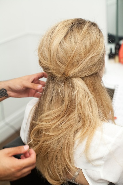 Picture Of Romantic DIY Fishtail Braid For Summer 8