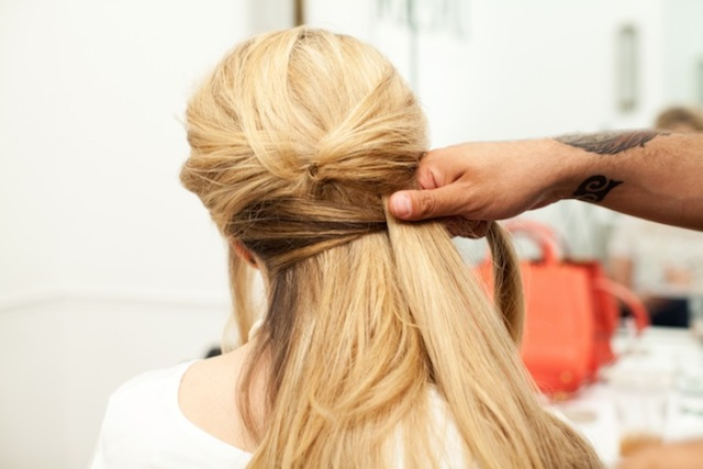 Picture Of Romantic DIY Fishtail Braid For Summer 9