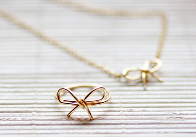 Picture Of Simple And Elegant DIY Wire Bow Ring 4