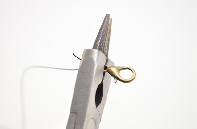 Picture Of Simple DIY Beaded Bracelet 6