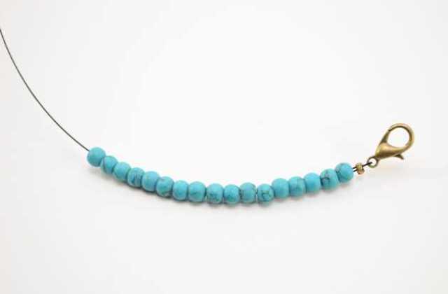 Picture Of Simple DIY Beaded Bracelet 7