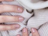 Simple DIY Gold Striped Nail Art