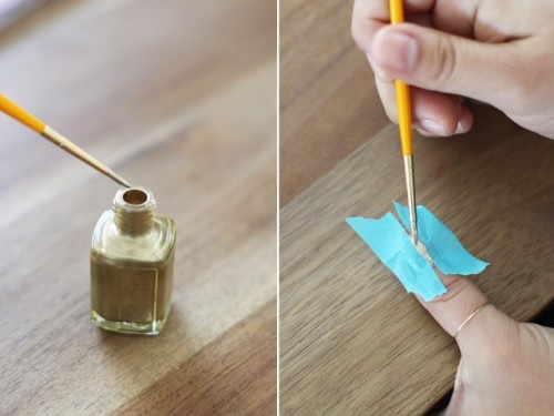 Simple DIY Gold Vertical Stripe Nail Art