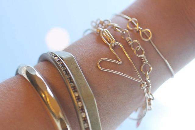 Picture Of Simple DIY Heart Bracelet 4