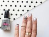 Simple DIY Polka Dots Nail Art6