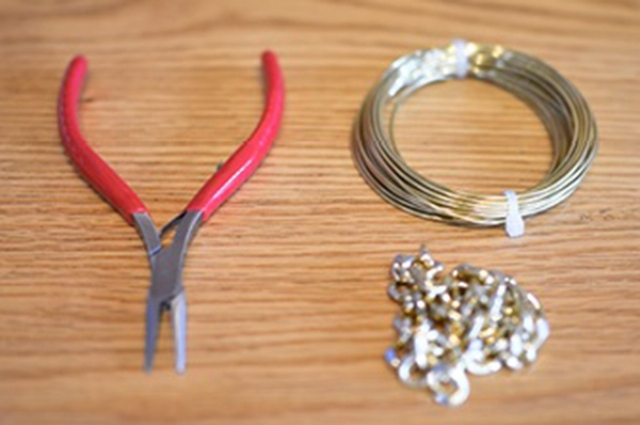 Picture Of Simple DIY Wire Chain Bracelet 2