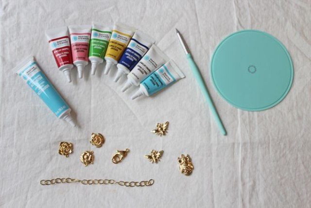 Picture Of Spring DIY Enamel Charm Bracelet 3