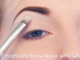 Step-By-Step DIY Neutral Eye Makeup 2
