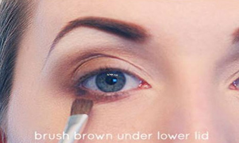 Picture Of Step By Step Diy Neutral Eye Makeup 5