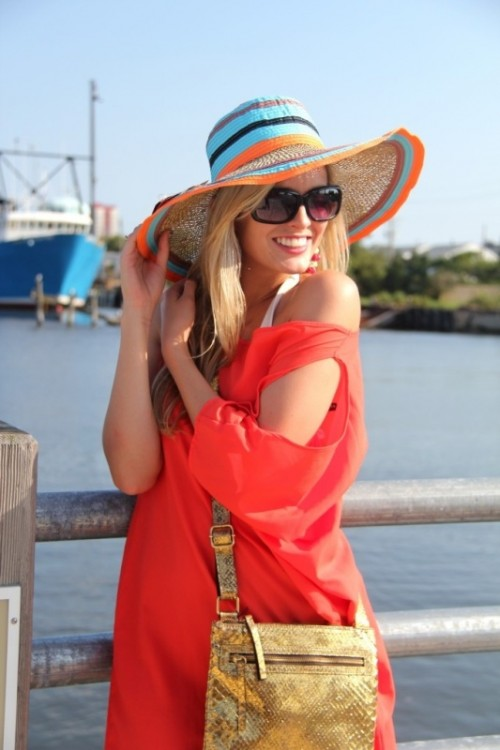 15 Stylish And Romantic Looks With A Wide Brim Hat