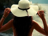Stylish And Romantic Looks With Wide Brim Hat 10
