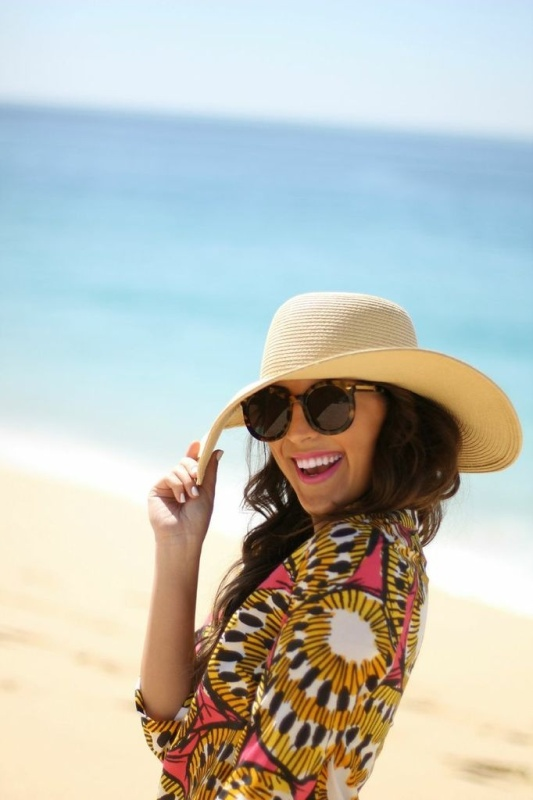 Picture Of Stylish And Romantic Looks With Wide Brim Hat 5
