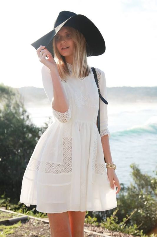 Picture Of Stylish And Romantic Looks With Wide Brim Hat 6