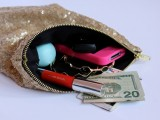 Stylish DIY Lined Sequin Clutch With Zipper2