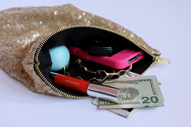 Picture Of Stylish DIY Lined Sequin Clutch With Zipper 2