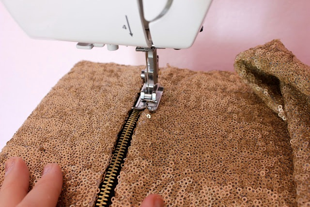 Picture Of Stylish DIY Lined Sequin Clutch With Zipper 8