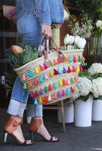 Picture Of Summer DIY Tassel Tote For Picnics 12
