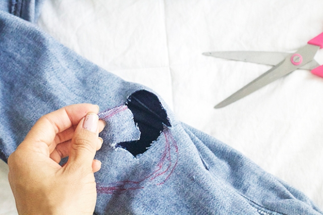 Picture Of Super Cool DIY Destroyed Denim Jeans 3
