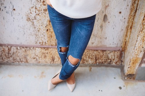 Super Cool DIY Destroyed Denim Jeans