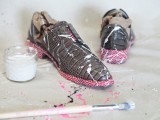 Super Cool DIY Paint Splattered Shoes 5