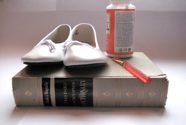 Picture Of Super Original DIY Dictionary Shoes 2