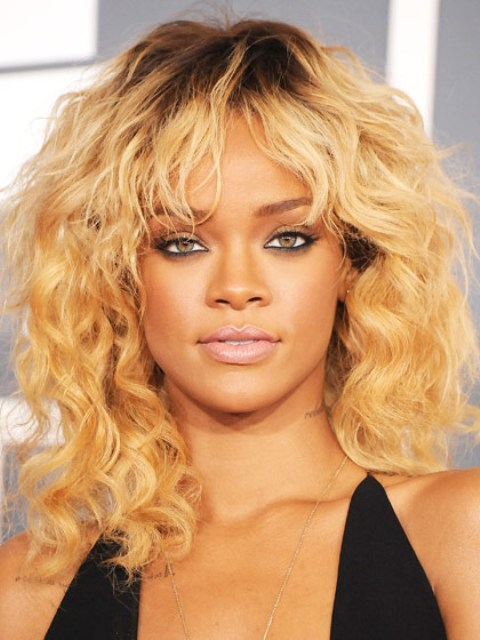 Picture Of The 10 Best Cuts for Curly Hair 6