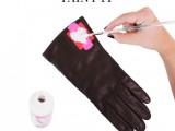 Very Easy DIY Heart-Print Gloves 6