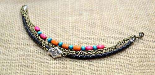 boho leather bracelet (via styleoholic)