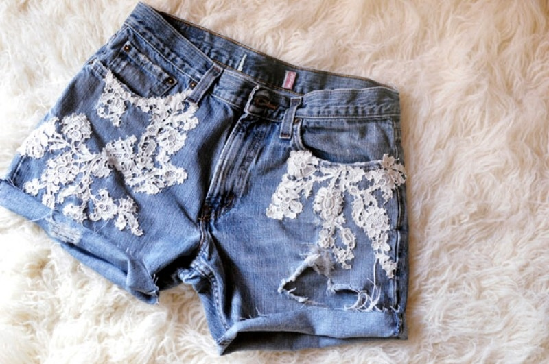 Picture Of adorable diy lace jean shorts design  2