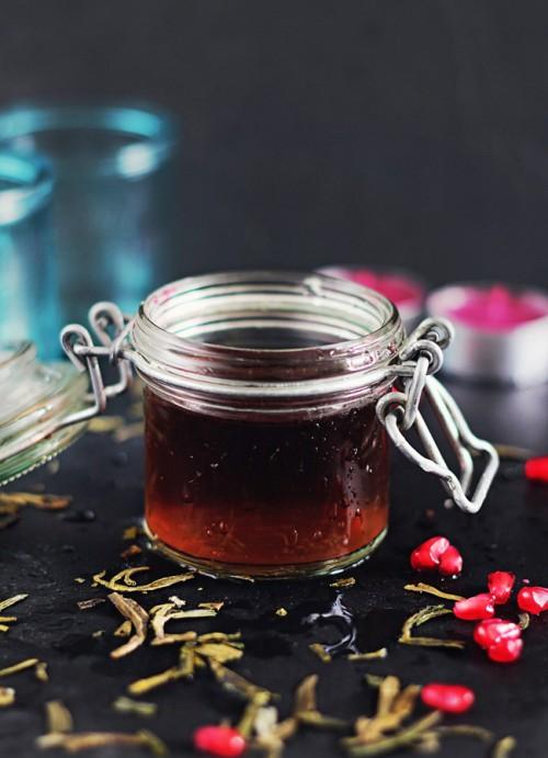 anti-aging pomegranate toner (via styleoholic)