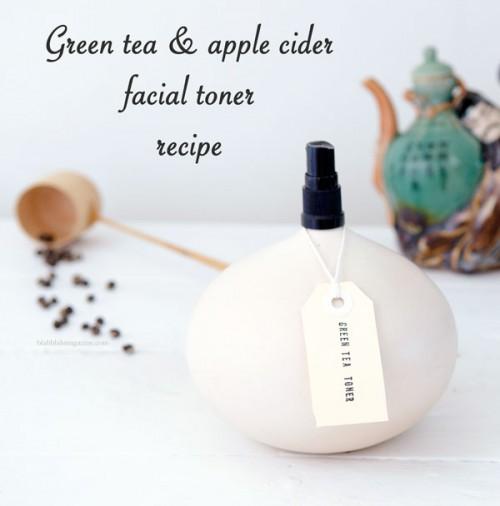 green tea and apple cider toner (via blahblahmagazine)